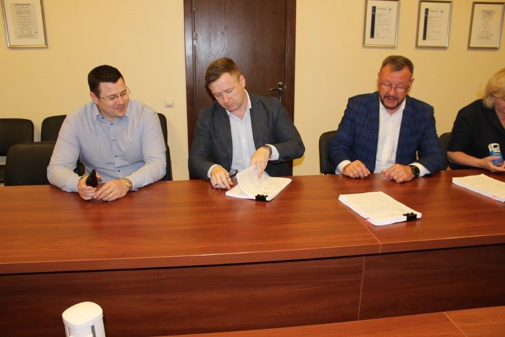 Подписание контракта2